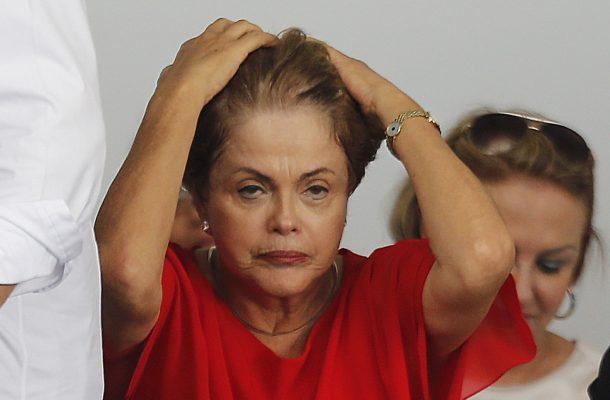 Brasil, Capanema, PA. 30/03/2015. A presidente Dilma Rousseff acompanhada do ministro Helder Barbalho (Pesca) durante  cerimÙnia de entrega de casa do programa Minha Casa Minha Vida, em Capanema, Par·. - CrÈdito:DIDA SAMPAIO/ESTAD√O CONTE⁄DO/AE/CÛdigo imagem:193906