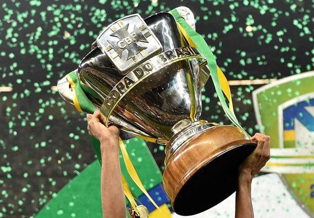 copa-do-brasil-trophy-trofeu-2014_1i2a447dbl4ug1gm2en0k9uzs1