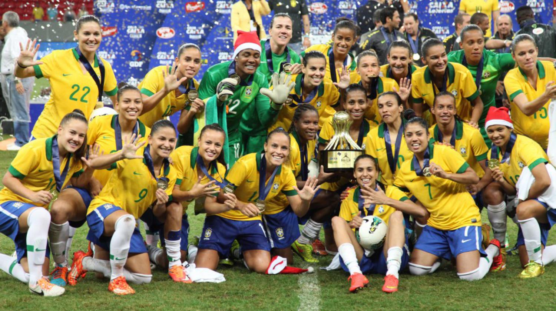 Brasil bate a Itália e leva torneio de futebol feminino na despedida de  Formiga - Noticias Rondonia b714ef7d25699