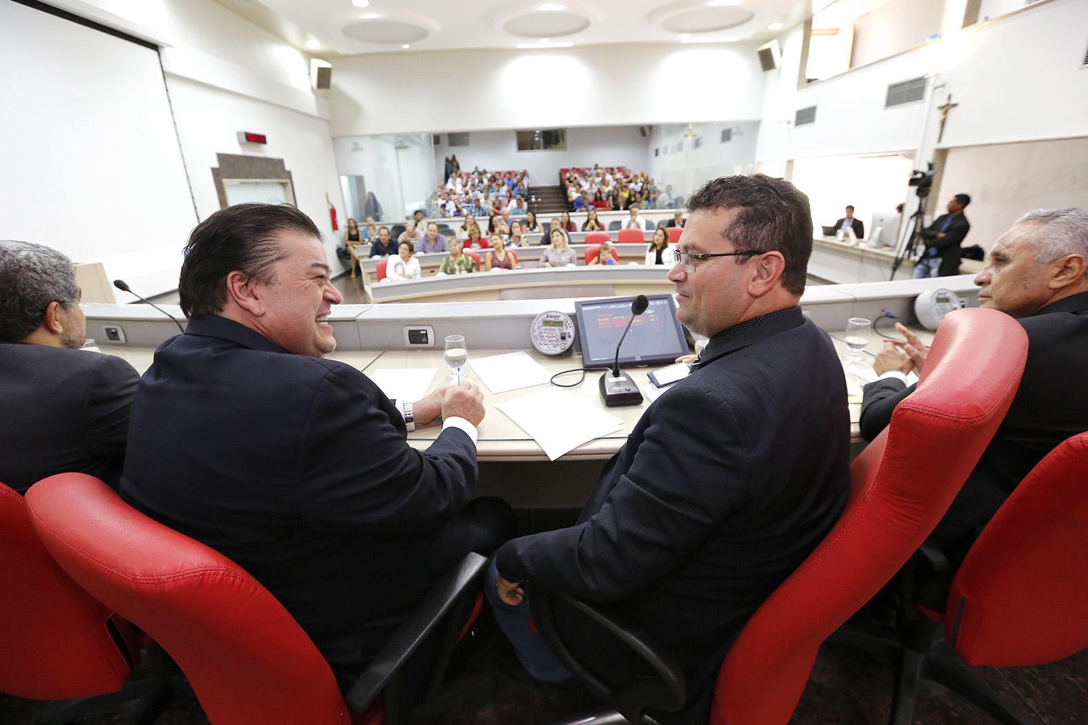 Secret_rio Williames Pimentel _ homenageado na Assembleia Legislativa-17Ab17-Jos_ Hilde-Decom-ALE-RO (5)